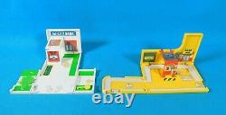 Lot of 4 Vtg 1990 Micro Machine Credit Card Playsets & 4 Cars withMini Cars Galoob