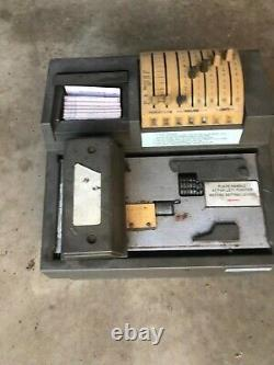 Vintage Addressographe Newbold Manuel Carte De Crédit Imprint Machine